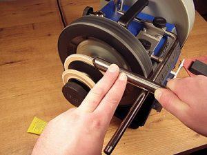 В нашем центре осуществляется обучение заточке маникюрного инструмента