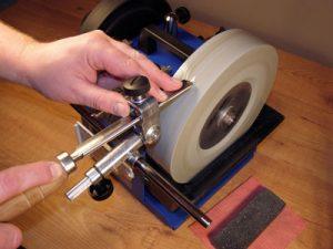 В нашем центре осуществляется высококачественная и профессиональная заточка плоских ножей