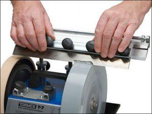 В нашем центре осуществляется высококачественная и профессиональная заточка кухонных ножей